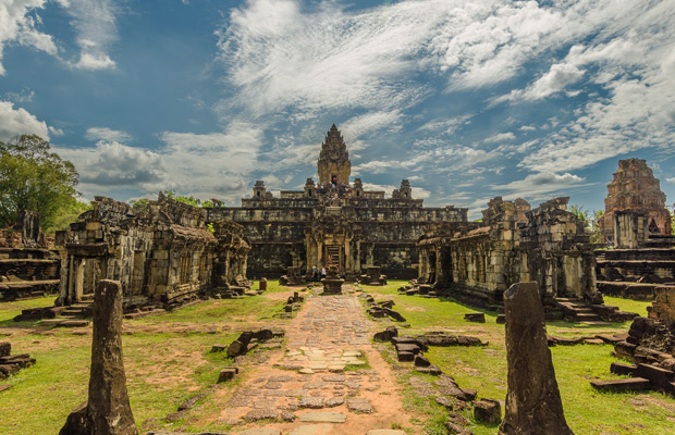 Roluos - Kbal Spean and Banteay Srei tour 1Day